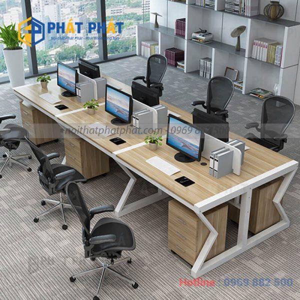 Một số mẫu bàn văn phòng có vách ngăn ưa dùng hiện nay